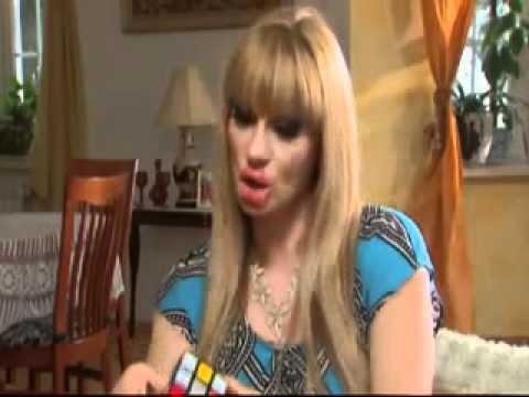 Блондинки гонят Кубик Рубика.flv