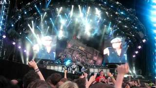 download lagu Shoot To Thrill - Ac/dc  Download Festival 2010 gratis