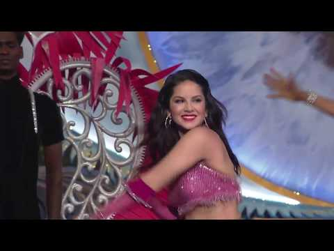 download lagu Sunny Leone Grooves To The Old Hits At Zca gratis