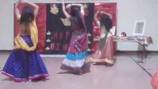 download lagu Bb-diwali 2013: Kashmir Main Tu Kanyakumari And Dola Re gratis