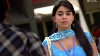Dhanush Proves His Love For Shriya - Thiruvilayadal Arambam
