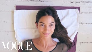 Watch Lily Aldridge Train for the Victoria