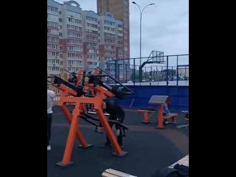 Заколоченная в целях борьбы с коронавирусом спортплощадка в Иванове стала популярным местом для спортсменов (фото, видео)