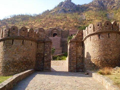 भारत के सबसे रहस्यमय स्थान || Mysterious Places In India [HINDI]