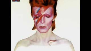 Watch David Bowie The Prettiest Star video