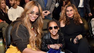 Download Lagu Blue Ivy Steals Show at NBA Game With Beyonce Selfies and $1,800 Purse Gratis STAFABAND