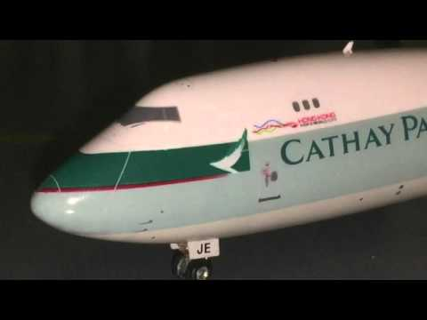 1:400 model review- Cathay Pacific Cargo 747-8F from Phoenix Models