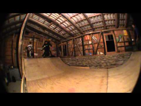 Sesion Skate Miniramp Indoor Venus Ramp-fristail Skateboards video