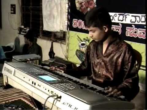 PRANAV S PLAYING ANISUTIDE YAKO INDU GOLDEN STAR GANESH SONG...
