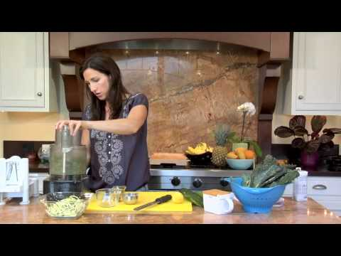 Zucchini Pasta: Raw Food Recipe