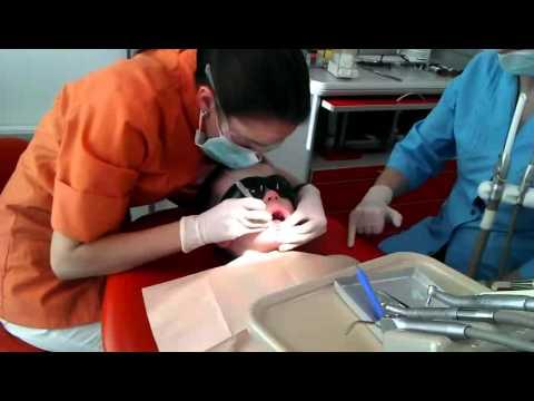 Никита (7 лет) на осмотре у стоматолога 04.04.2012
