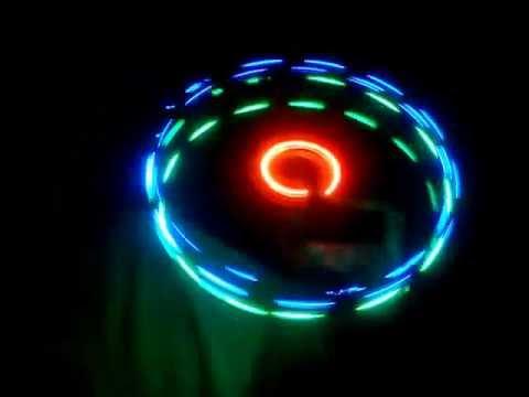 juegos de luces giratoria casera con material reciclable