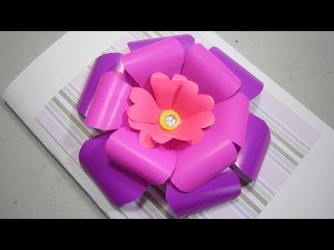 Como hacer una rosa de scrapbooking para cartas y regalos