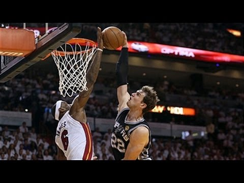 LeBron James' INSANE block on Tiago Splitter in Game 2!