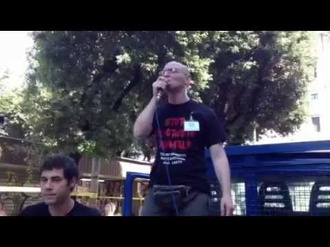"""Roma- Piazza della Republica """" Contro la VIVISEZIONE e le TORTURE agli ANIMALI ! """" 2012"""