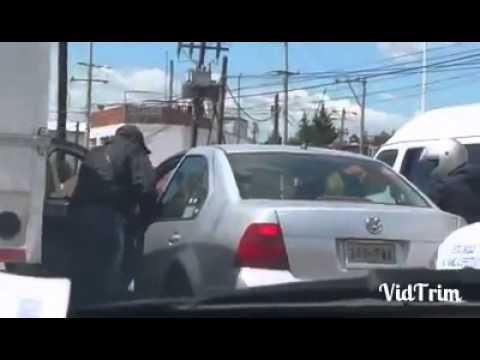 Asalto a mano armada en Blvd Hnos Serdan y Av 15 de Mayo