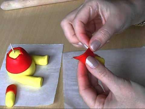 Winnie the Pooh - fondant tutorial.wmv