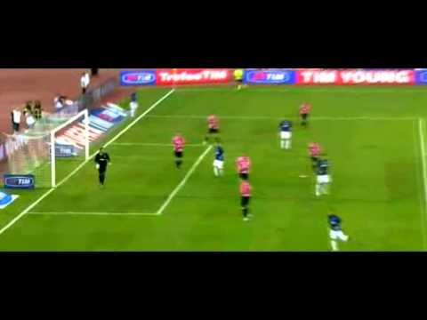 Stephan Lichtsteiner vs F.C. Internazionale 18-08-11