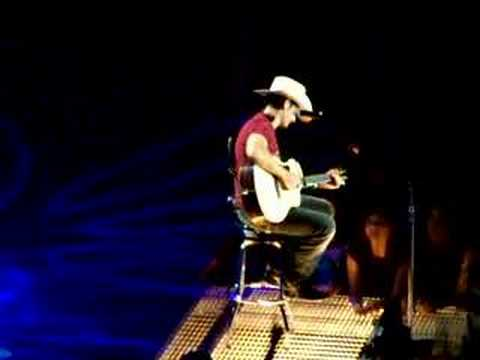 Brad Paisley (Put That Toilet Seat Down)