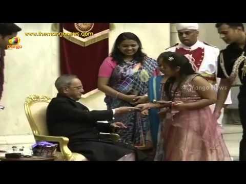 President Pranab Mukherjee celebrates Rakshabandhan with children