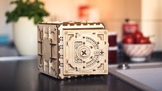 An entirely wooden Safe incl. a functional combination lock!
