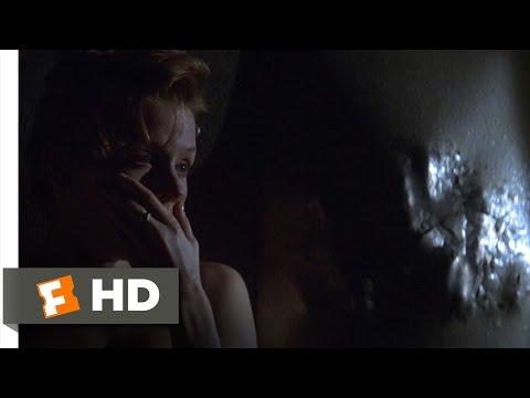 The Relic (5/9) Movie CLIP - Encounter at the Door (1997) HD