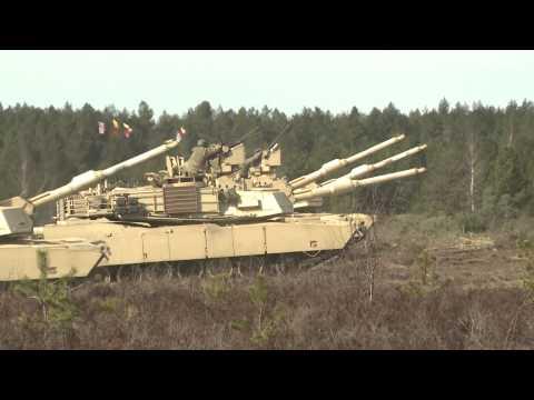 Lietuvoje pirmą kartą vyko sąjungininkų tankų kovinio šaudymo pratybos