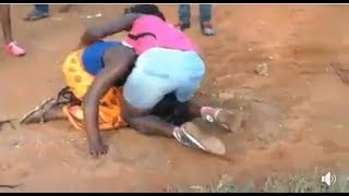 Lady Stripped Naked While Fighting With Rival In Public - Women fight dirty over a man