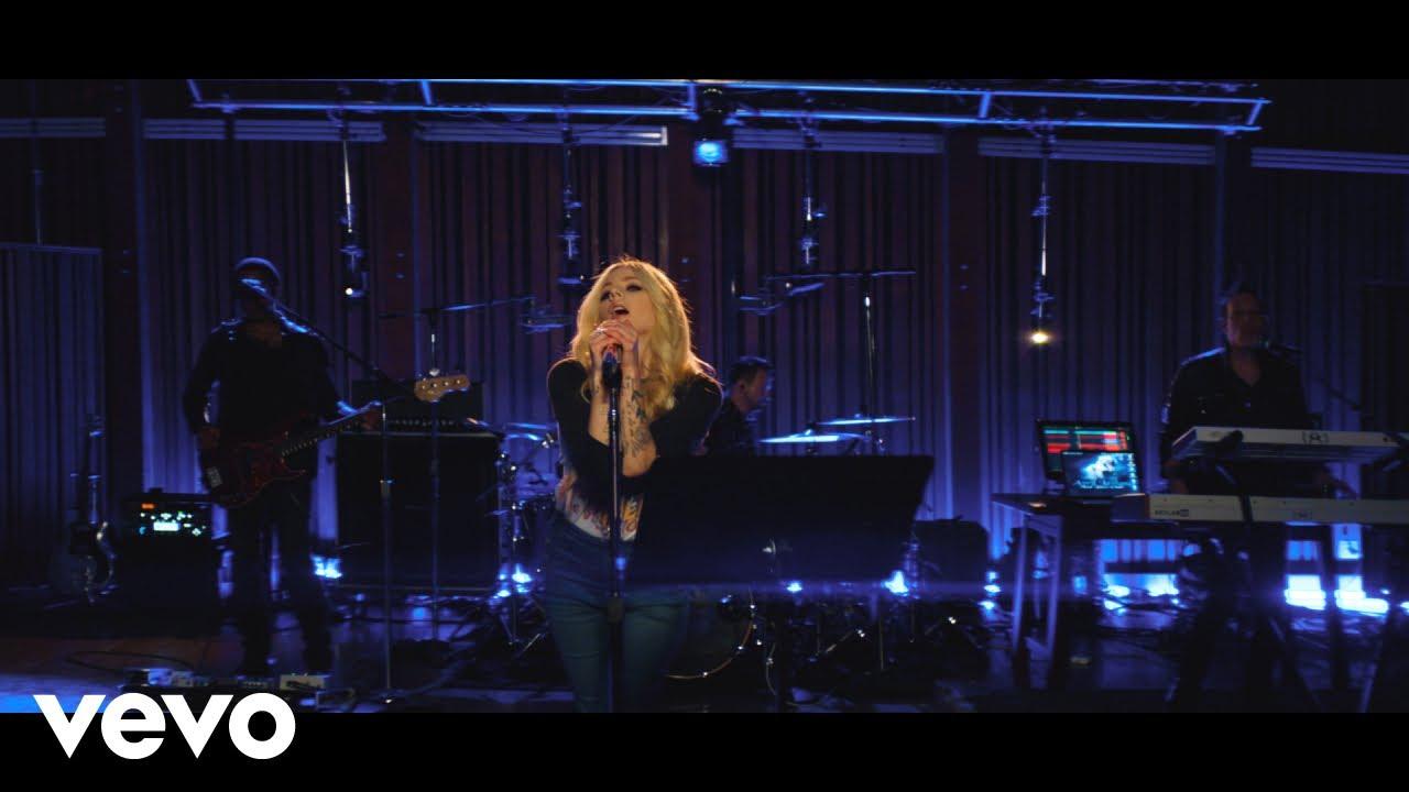 "Avril Lavigne - 「Honda Stage」でのライブから""Dumb Blonde""の4K映像を公開 thm Music info Clip"