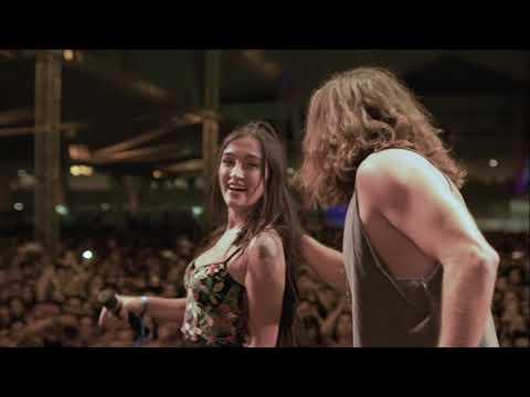 Vitor Kley canta Morena com Gabriela Melim e casal assume namoro