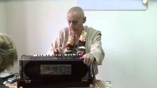 2010.04.10. Kirtan before Public Lecture by HG Sankarshan Das Adhikari - Kaliningrad, RUSSIA