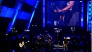 Watch Avril Lavigne Iris (fashion Rocks With Johnny Rzeznik) video