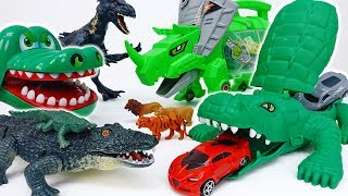Crocodile Catapult, Fire~! The Angry Croc Is Going To Defeat The Bad Dinosaurs #ToyMartTV
