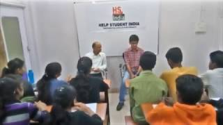 Keshav Gupta MIT '2017-2021 Batch' interacting with students of HSI