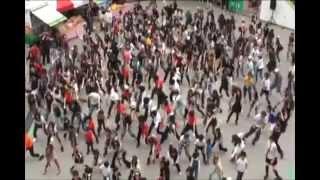 マイケル・ジャクソン 全国同時 Beat It ゲリラダンス フラッシュモブの動画