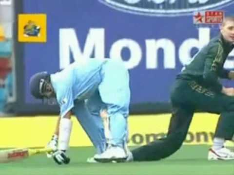 Michael Clarke Vs Sachin Tendulkar - Not Even a Sorry !