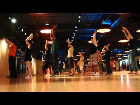 20100830-bollywood Dance(babuji Zara Dheere Chalo) video