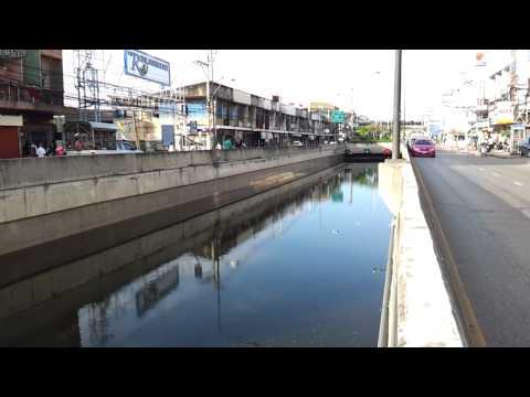 Bangkok Floods – October 28 Krung Thon Bridge – underpass