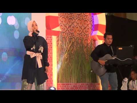 granade - Fatin Shidqia at International Islamic Expo 2016