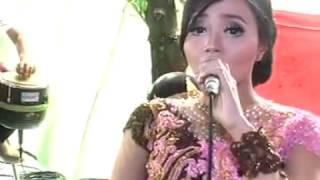 Aku Cah Kerjo Voc. Ajeng & Sodiq - AREVA MUSIC HOREEE Live Kampung Horeee
