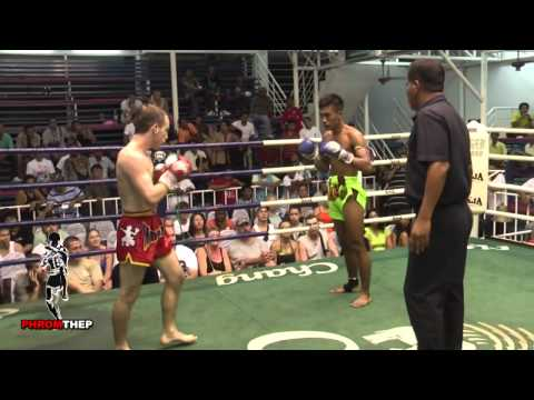 Brutal Muay Thai Fight - Lots of Elbows & Blood Image 1
