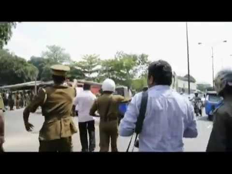 A tense situation in Welikada prison.flv