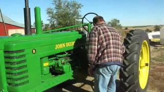 Starting my 1939 John Deere Model B Tractor