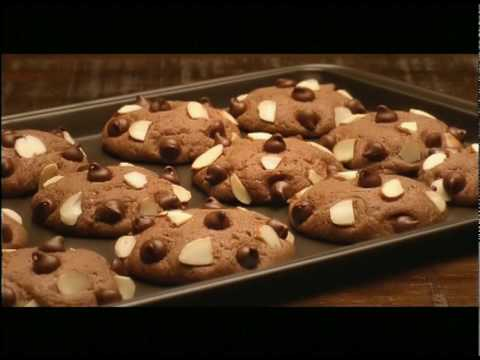 Sunfeast biscuit tv ad by Shah Rukh Khan - Go...