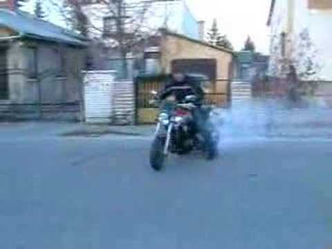 Yamaha Bt 1100 Bulldog burnout Video