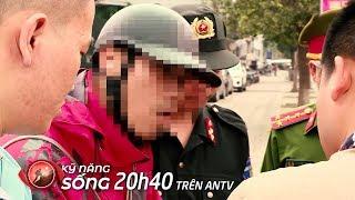 Cảnh sát 141 còng tay, áp giải shipper vận chuyển 'hàng cấm' về 'đồn' | Kỹ năng sống 2019