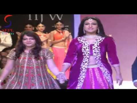 Rituparna Sengupta Hot Navel Show At Iijw 2013 video