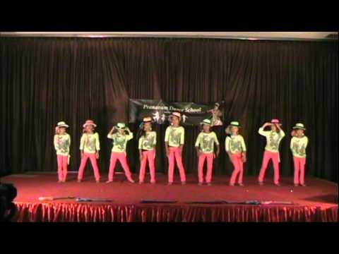 Pranavam Dance School 2013 (appangal Embadum) video