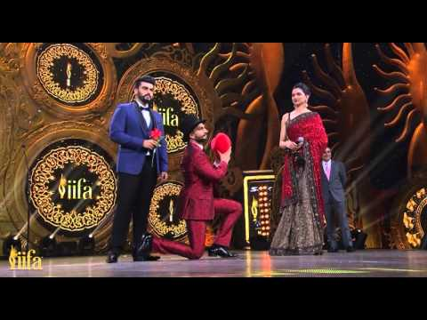 IIFA Awards 2015 - Ranveer Singh Proposes Deepika Padukone On Stage