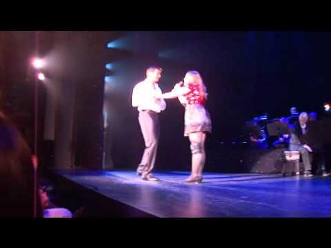 Amanda Kronhaus singing on Broadway with Hugh Jackman